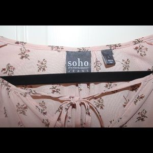 SoHo New York & Company Blouse